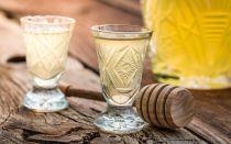Водка с мёдом от простуды — народные рецепты, целебные свойства и противопоказания