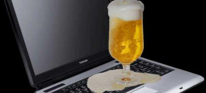 Пролил пиво на ноутбук или другие жидкости
