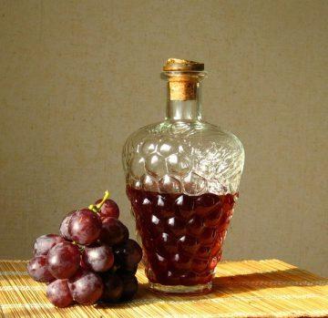 как правильно сделать домашнее вино из винограда в домашних условиях